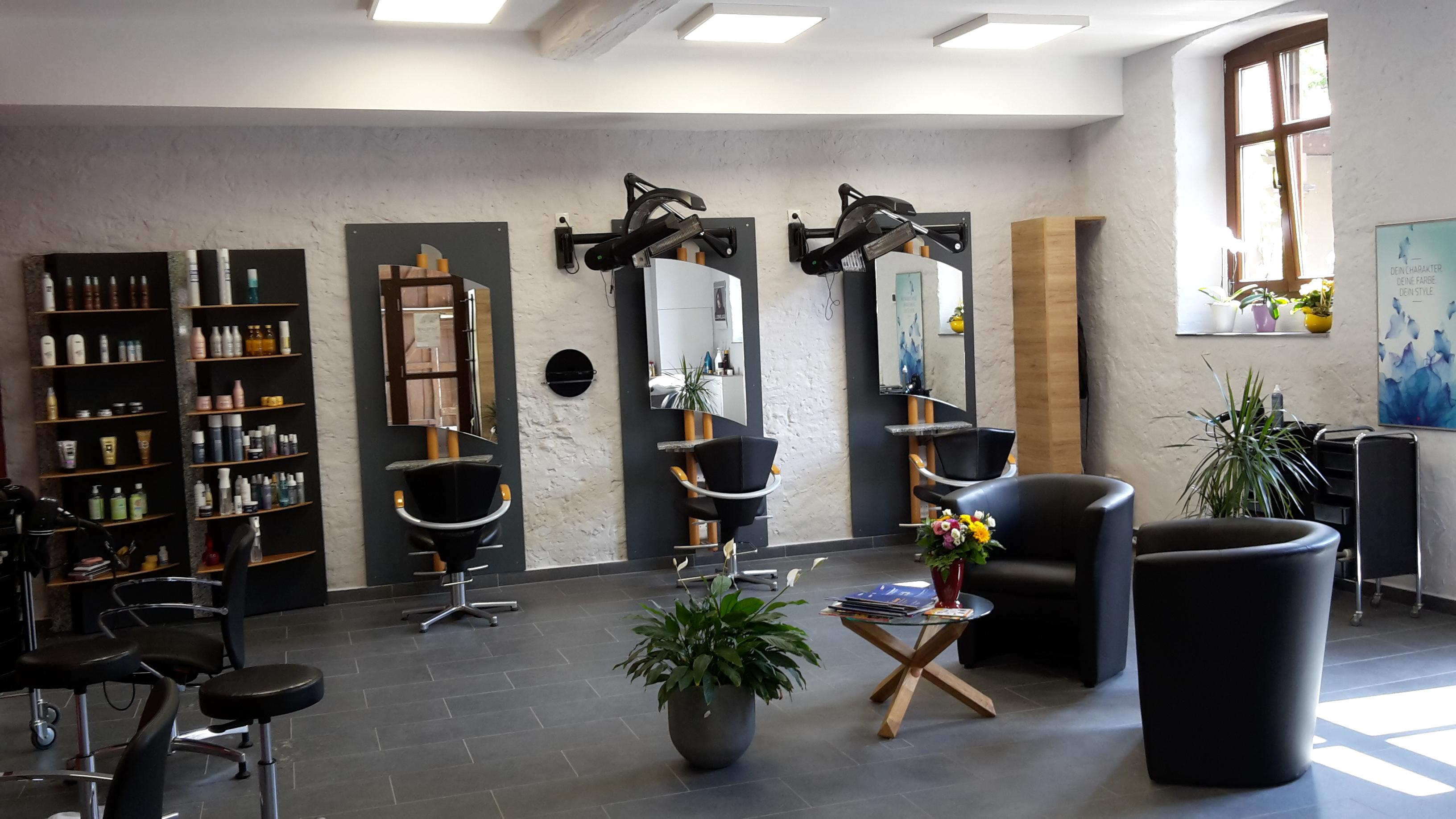 """Friseurgeschäft """"Haarschneider im Alten Weingut"""""""